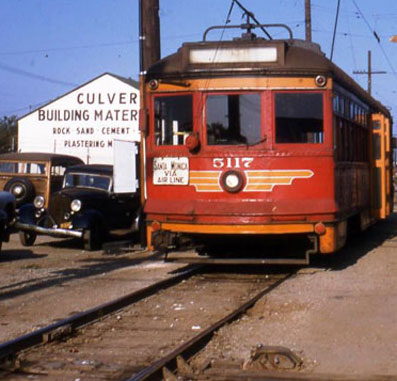 Photo by Alan Weeks, courtesy of the Metro Transportation Library and Archive.